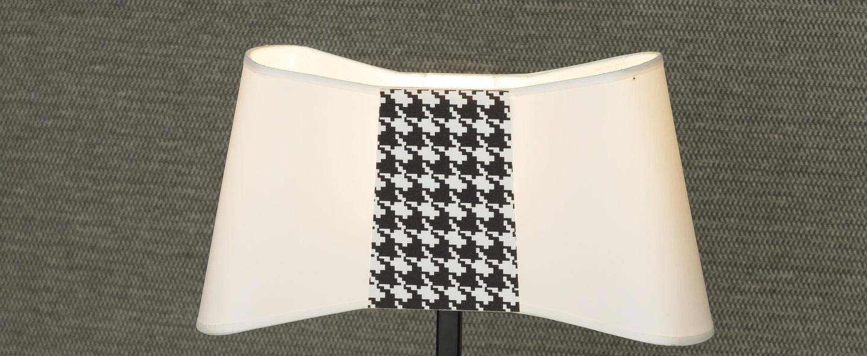 Lampe a poser couture blanc pied de poule h39cm designheure normal