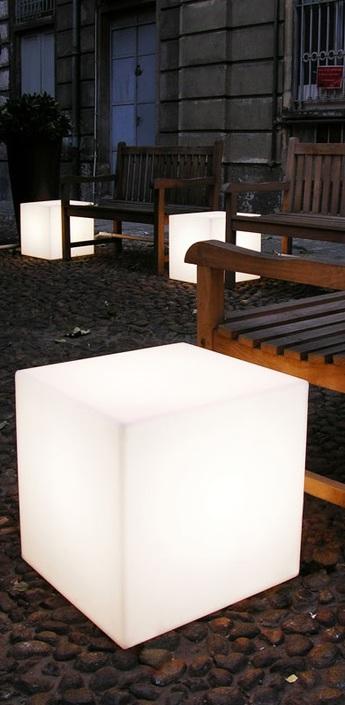 Lampe a poser cubo blanc o43cm slide normal