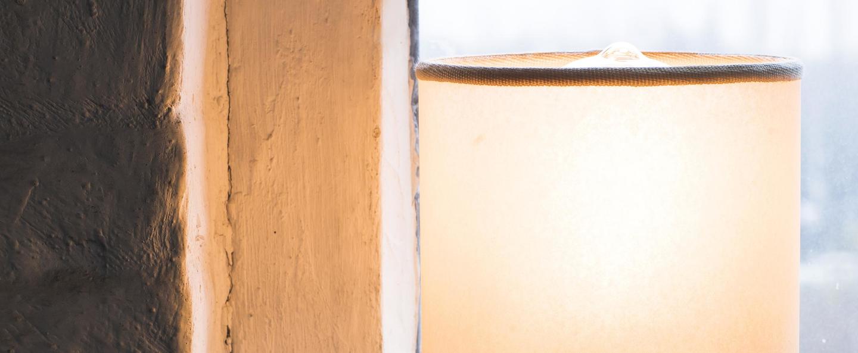 Lampe a poser cylinder blanc noir o13cm h30cm serax normal