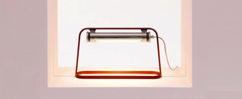 Lampe a poser d exterieur astrup dimmable led rouge marsala argent h35cm l60cm sammode normal