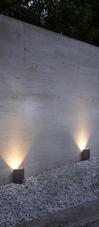 Lampe a poser d exterieur noboru gris fonce ip65 led 3000k 690lm o15 3cm h17cm faro normal