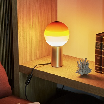 Lampe a poser dipping light ambre led o12 5cm h22 2cm marset normal