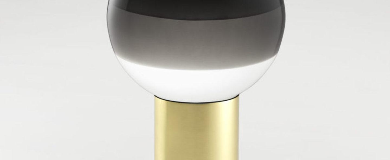 Lampe a poser dipping light portable noir laiton led k 240lm o12 5cm h22 2cm marset normal