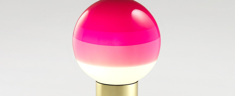 Lampe a poser dipping light rose pale led o12 5cm h22 2cm marset normal