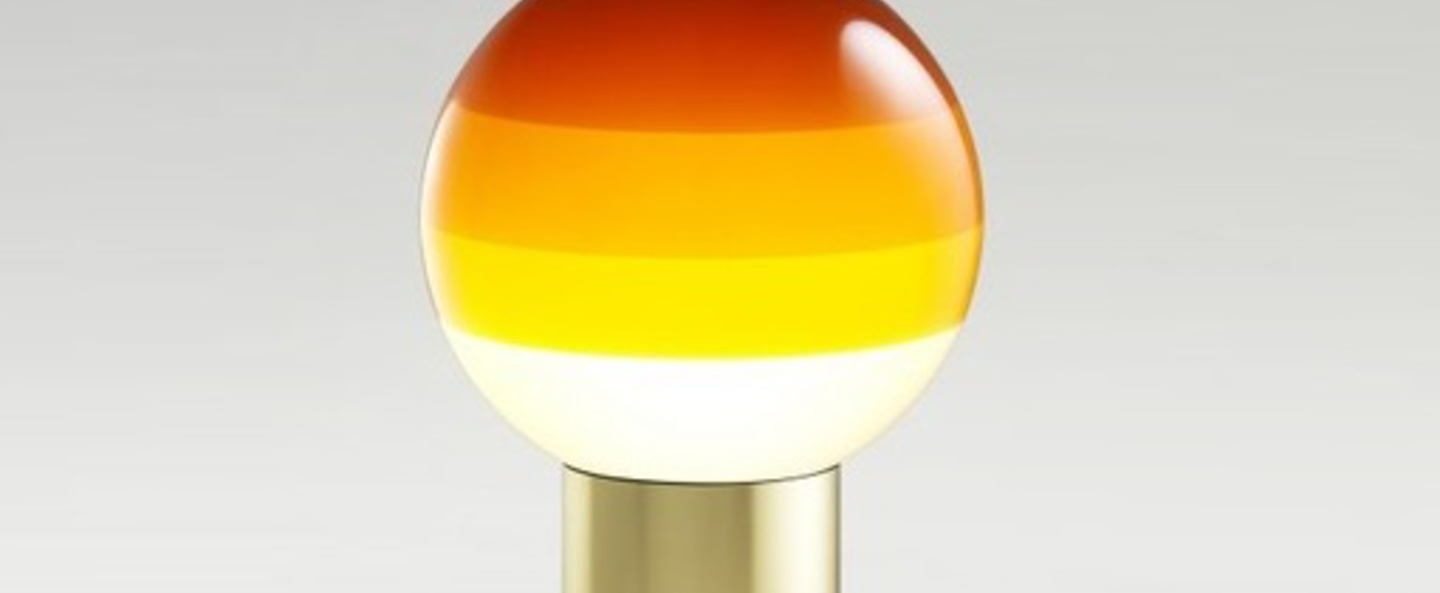 Lampe a poser dipping light s ambre laiton led 2700k 546lm o20cm h36cm marset normal