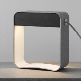 Lampe a poser eau de lumiere led gris blanc chene teinte l21cm designheure normal