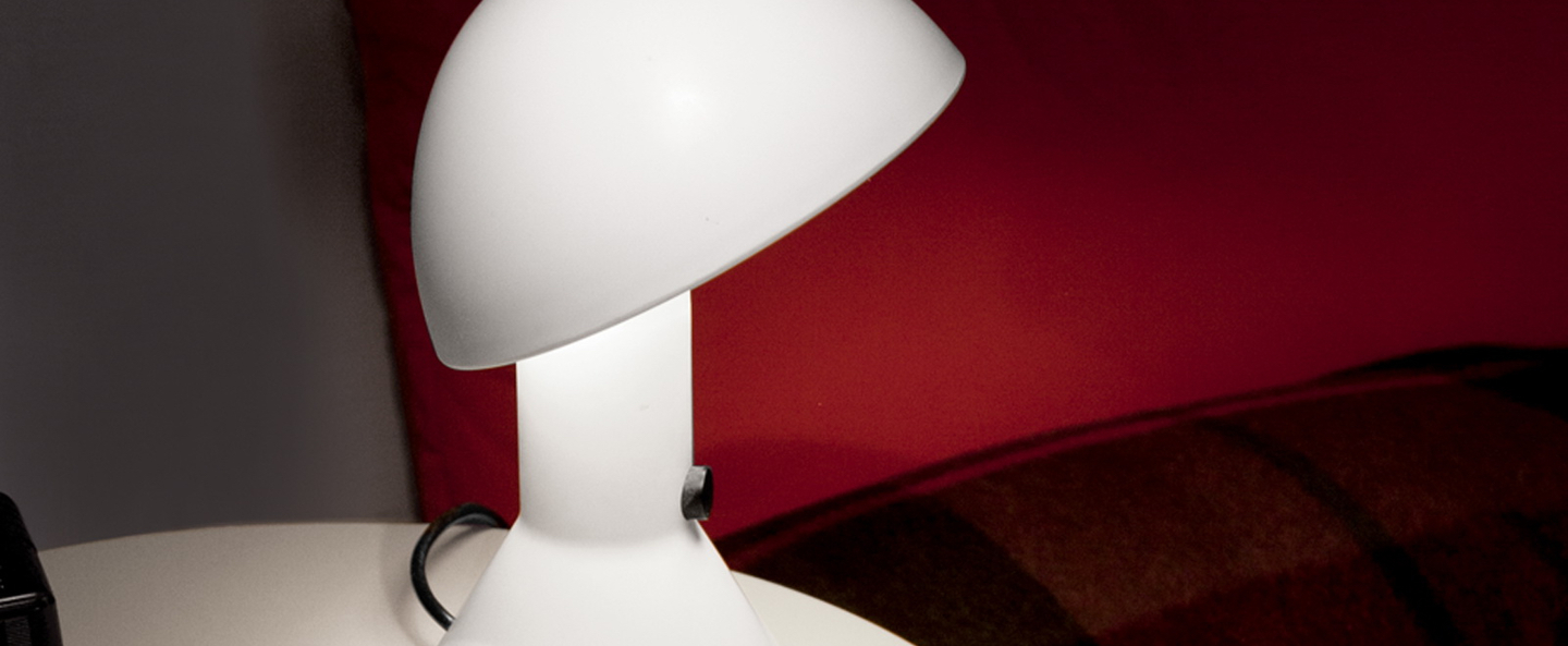 Lampe a poser elmetto blanc h28cm martinelli luce normal