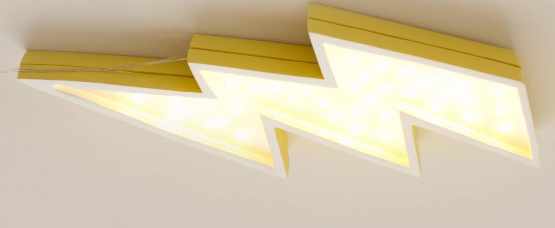 Lampe a poser enfant lightning bolt jaune l42cm h20cm little lights normal