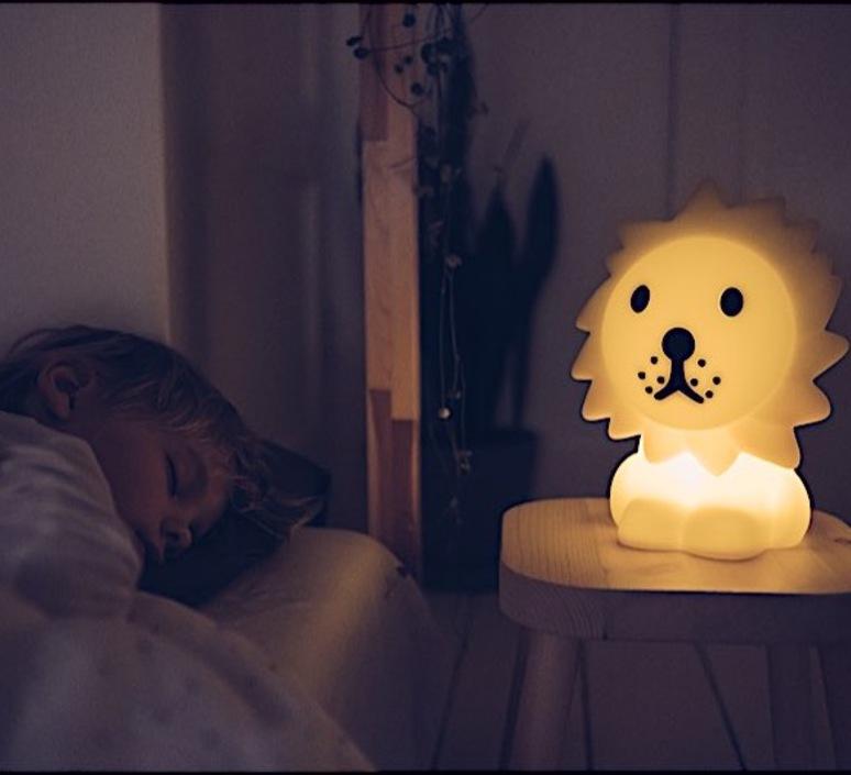 First light lion jannes hak et lennart bosker lampe a poser enfant kids table lamp  mr maria mrdb30ln01  design signed nedgis 84695 product