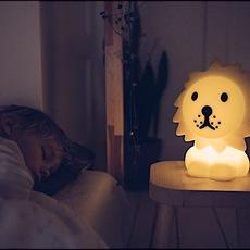 First light lion jannes hak et lennart bosker lampe a poser enfant kids table lamp  mr maria mrdb30ln01  design signed nedgis 84695 thumb