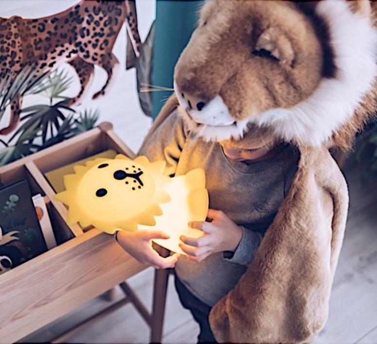 First light lion jannes hak et lennart bosker lampe a poser enfant kids table lamp  mr maria mrdb30ln01  design signed nedgis 84697 product