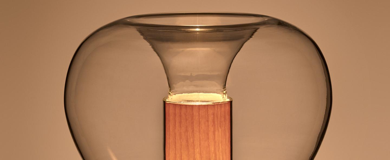 Lampe a poser eris m aluminium hetre naturel o22cm h40cm lzf normal