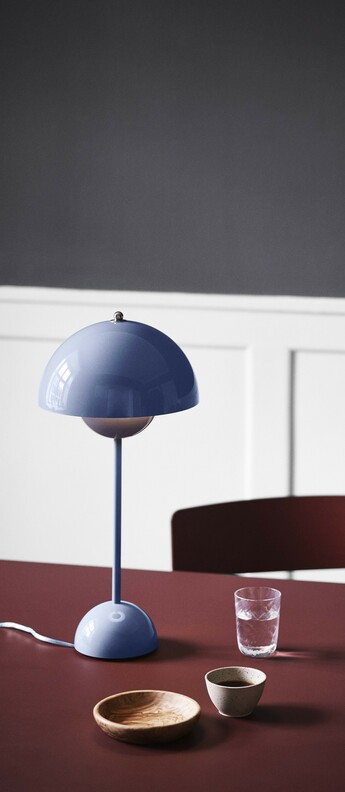 Lampe a poser flowerpot vp3 bleu clair o23cm h50cm andtradition normal