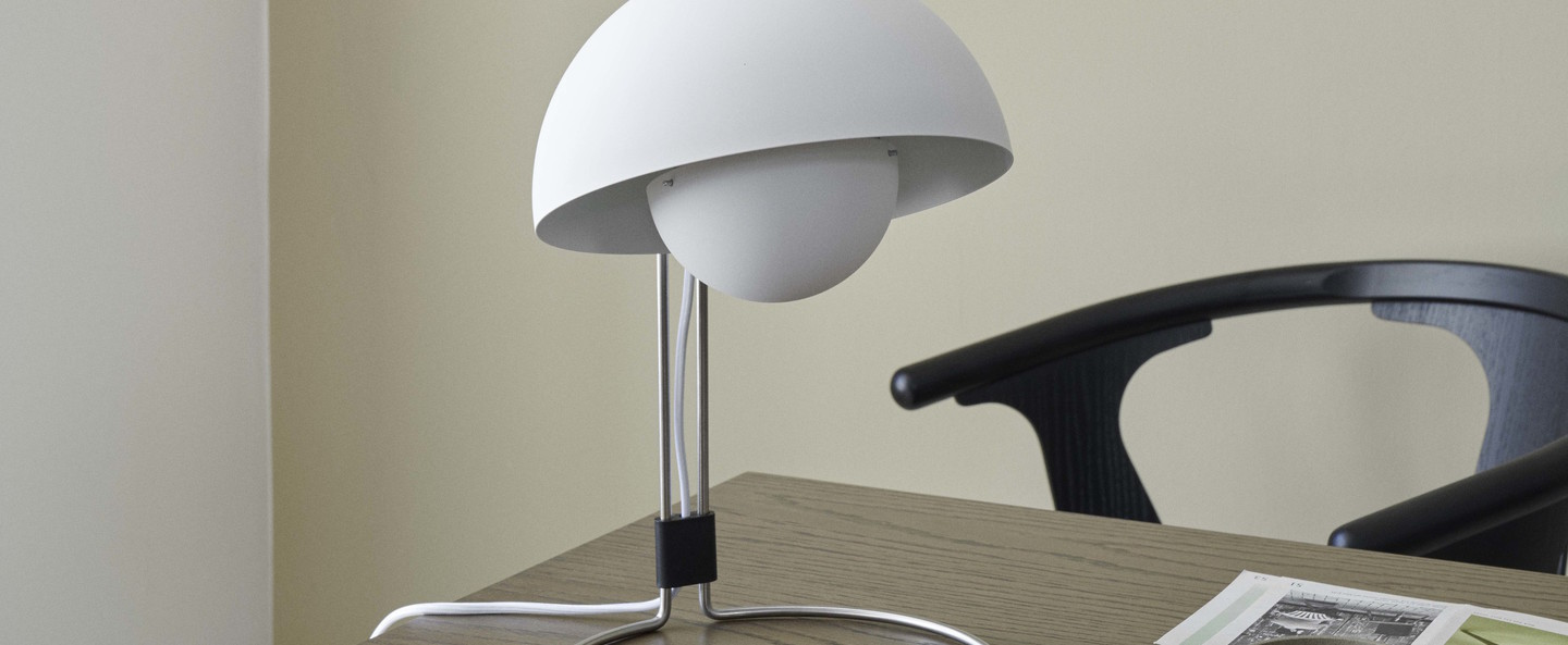 Lampe a poser flowerpot vp4 blanc o23cm h36cm andtradition normal