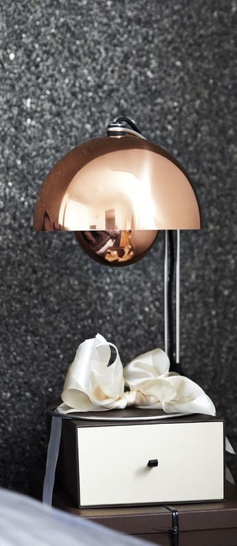 Lampe a poser flowerpot vp4 cuivre o23cm h36cm andtradition normal