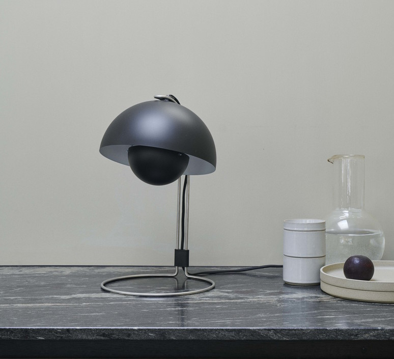 Flowerpot vp4 verner panton lampe a poser table lamp  andtradition 20739501  design signed 60856 product