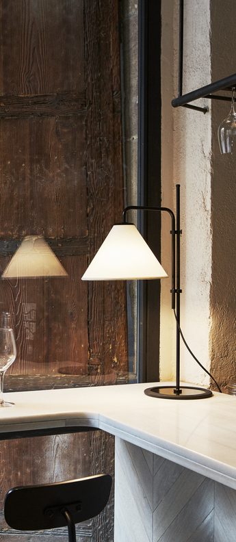 Lampe a poser funiculi fabric noir blanc led h61 4cm marset normal
