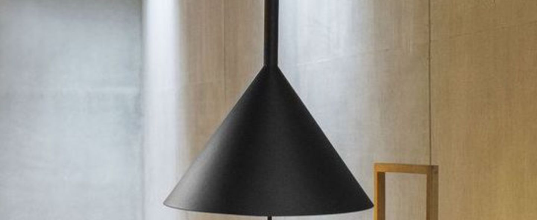 Lampe a poser funnel noir o45cm h80cm vertigo bird normal