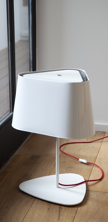 Lampe a poser grand nuage blanc rouge h62cm designheure 80f294f8 9a4b 45bd b894 faacd19f3acf normal