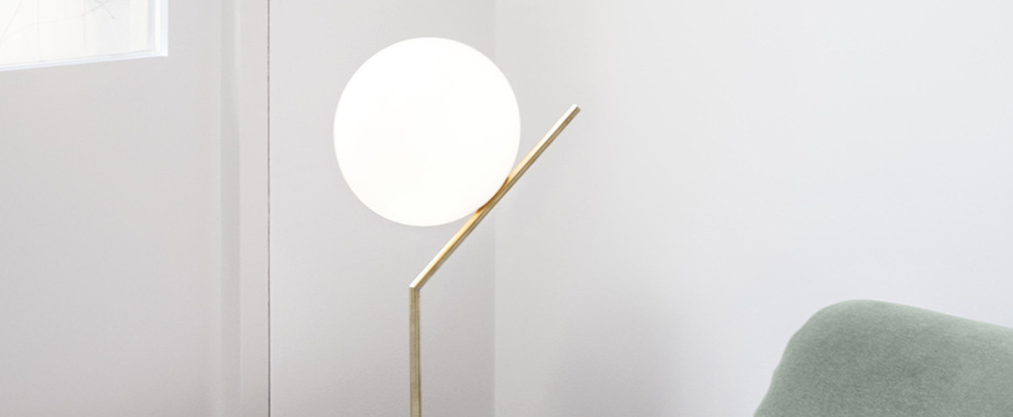 Lampe a poser ic t1 high laiton h53cm o20cm flos normal