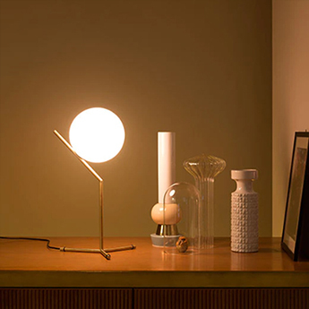 Lampe a poser ic t1 high or h53cm flos normal