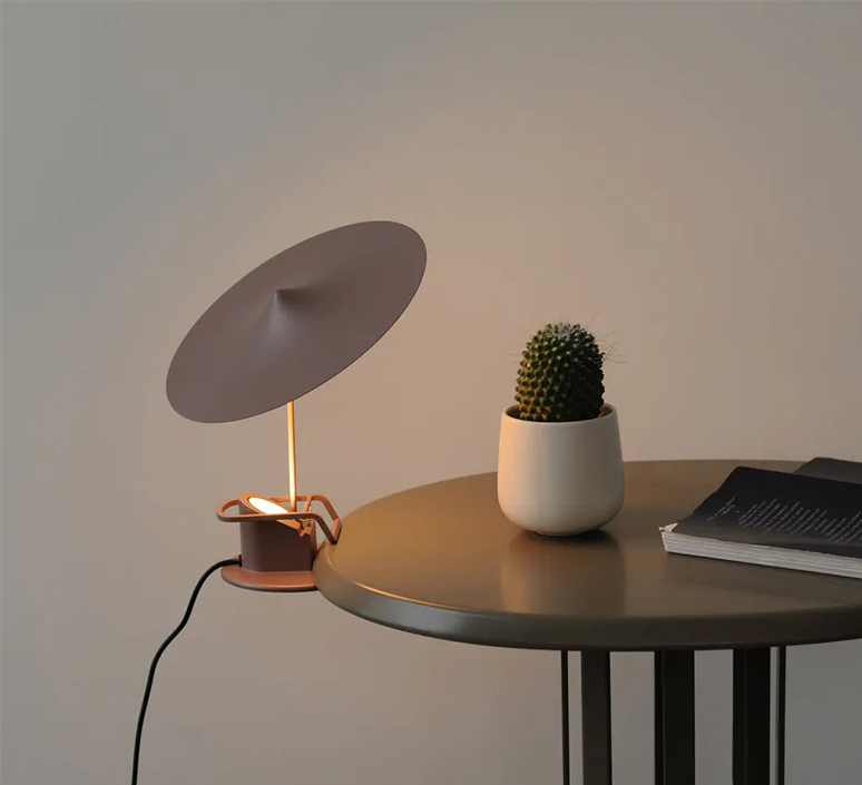 Ile inga sempe lampe a poser table lamp  wastberg 153m15010  design signed nedgis 123379 product