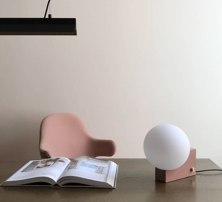 Journey  signe hytte lampe a poser table lamp  andtradition 20321099  design signed 56894 product