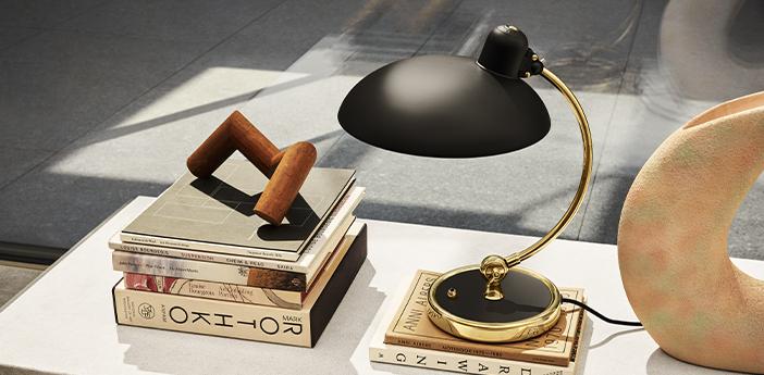 Lampe a poser kaiser idell 6631 t luxus noir matt et laiton l28 5cm h42 5cm lightyears normal