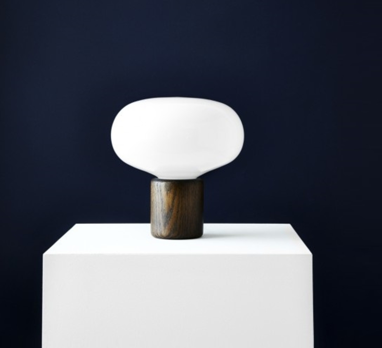 Karl johan chene verre opale signe hytte lampe a poser table lamp  newworks 20310  design signed 30620 product