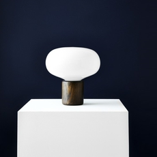 Karl johan chene verre opale signe hytte lampe a poser table lamp  newworks 20310  design signed 30620 thumb