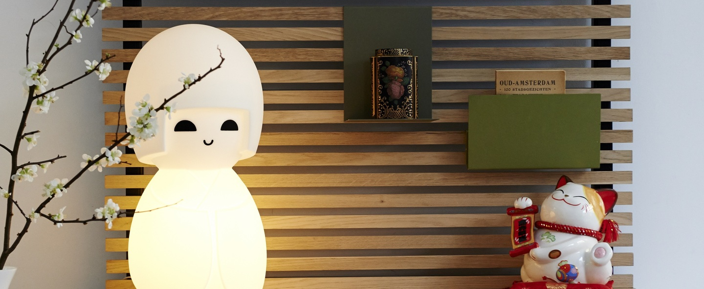 Lampe a poser kokeshi blanc h63cm mr maria normal