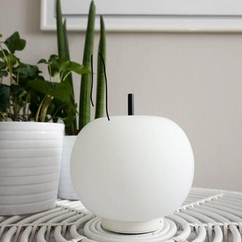 Lampe a poser kushi 16 mobile blanc noir led o16cm h17cm kundalini normal