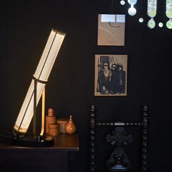 Lampe a poser la lampe frechin marbre noir et verre led 2700k 1240lm l25cm h62 5cm dcw editions paris normal