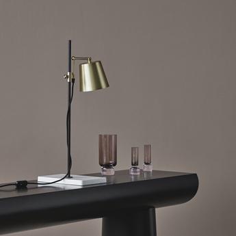 Lampe a poser lab light laiton l28cm h65cm karakter normal