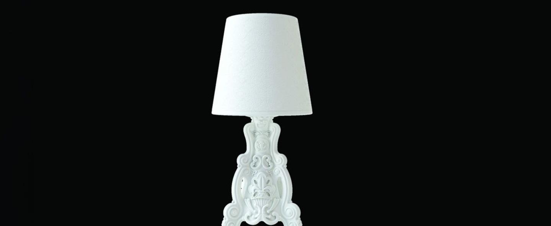 Lampe a poser lady of love blanc h88cm slide normal