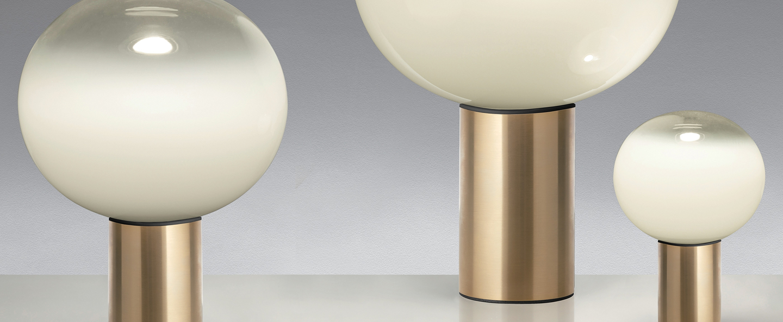 Lampe a poser laguna tavolo transparent fume laiton satine dimmable o37cm h54 1cm artemide normal