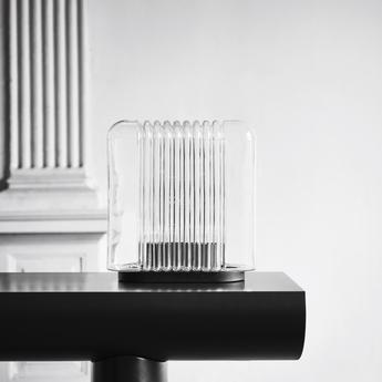 Lampe a poser lari transparent l35cm h35cm karakter normal