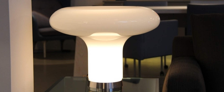 Lampe a poser lesbo blanc fume o52cm h37cm artemide normal