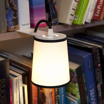 Lampe a poser lightbook blanc noir h12cm designheure normal