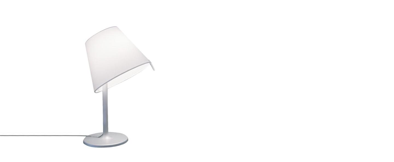 Lampe a poser melampo gris o42 2cm h58cm artemide normal