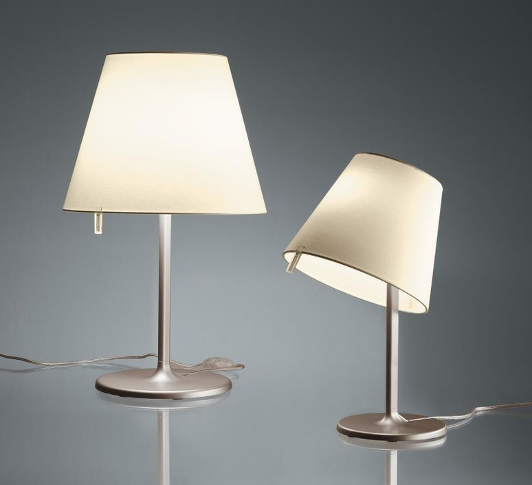 Melampo notte adrien gardere lampe a poser table lamp  artemide 0710020a  design signed 61080 product