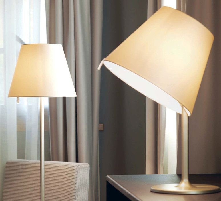 Melampo notte adrien gardere lampe a poser table lamp  artemide 0710020a  design signed 61084 product