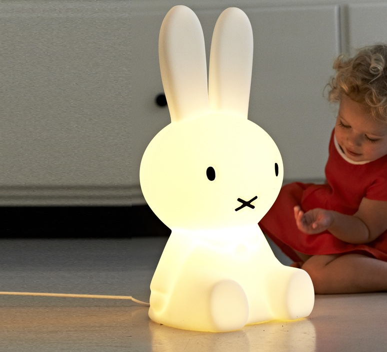 lampe lapin enfants miffy original blanc h50cm mr maria luminaires nedgis. Black Bedroom Furniture Sets. Home Design Ideas