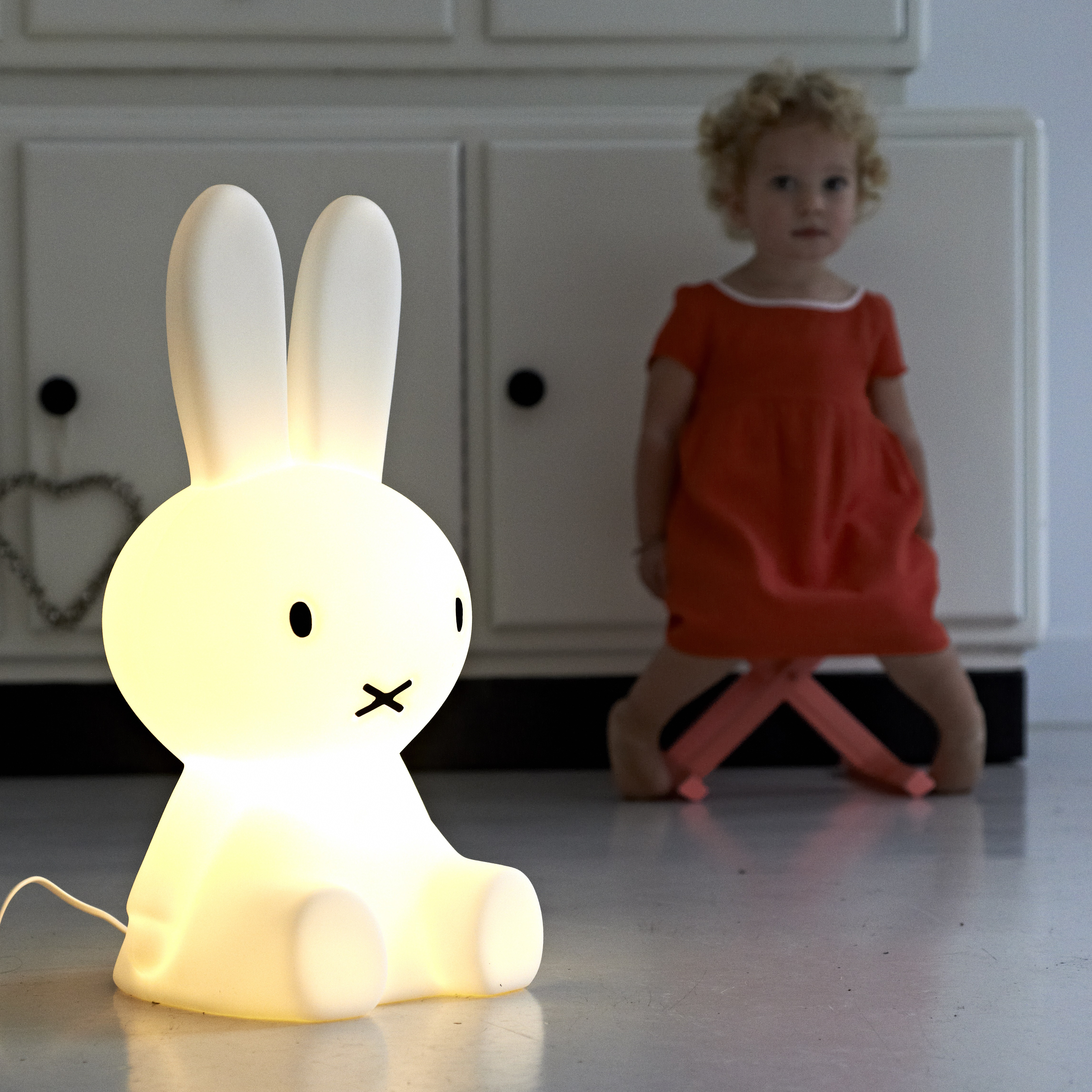 table lamp miffy original led white h50cm mr maria. Black Bedroom Furniture Sets. Home Design Ideas