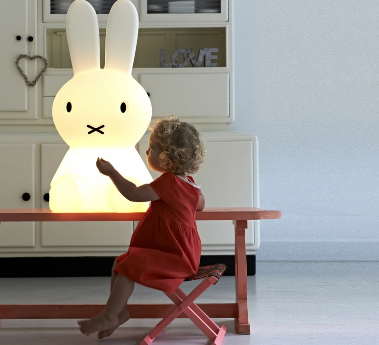 Miffy xl jannes hak et lennart bosker stempels et co mrmiffy xl luminaire lighting design signed 14990 product