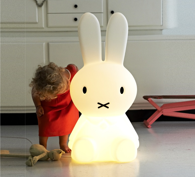Miffy xl jannes hak et lennart bosker stempels et co mrmiffy xl luminaire lighting design signed 14992 product