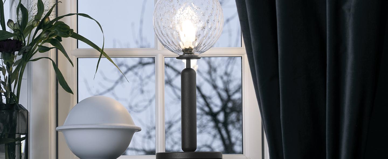 Lampe a poser miira noir transparent o14cm h34 5cm nuura normal