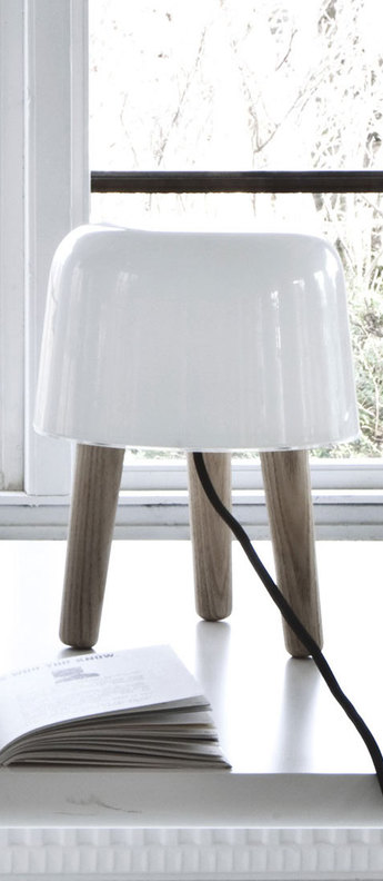 Lampe a poser milk blanc frene o20cm h25cm andtradition normal