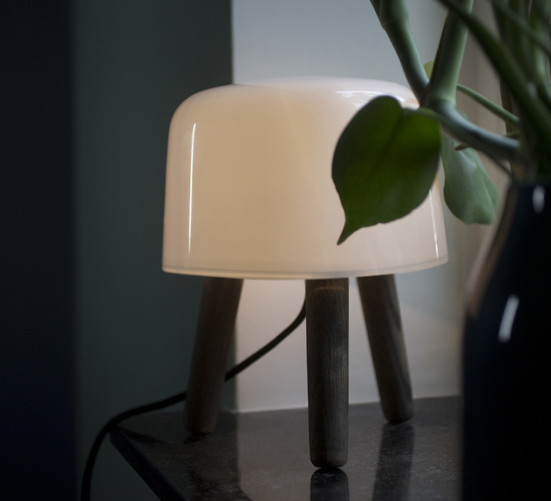 Milk studio norm architects lampe a poser table lamp  andtradition 20403294  design signed 42871 product