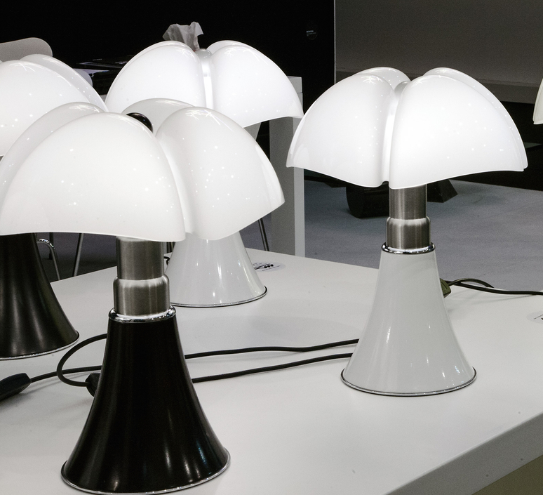 Minipipistrello gae aulenti martinelli luce 620 j t ma luminaire lighting design signed 15587 product